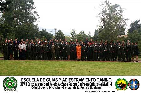 Clausura del XXVIII Curso de Método Arcón de rescate canino en Colombia.