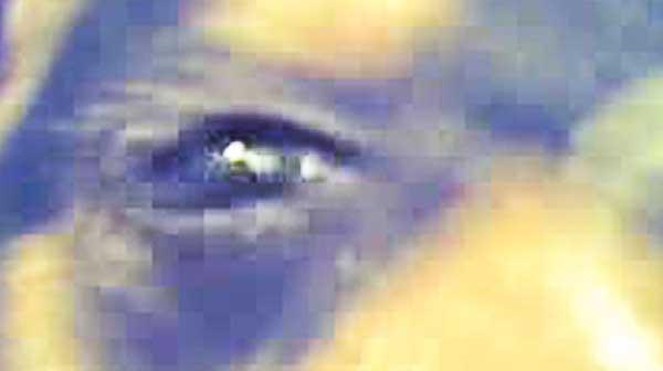 Fotos del ojo de Schnauzi en las que se aprecia un rostro. Falsas, una burda manipulación.