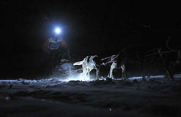 Primera etapa nocturna de Pirena 2012 en Pla de Beret. Andres y Lázaro van a por todas.