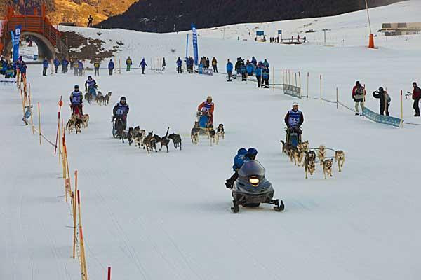 Tom Andres manda en la general, Lázaro en nórdicos. Una de las etapas más espectaculares de Pirena 2012 con salida en grupo.