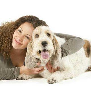 Actvyl es el primer tratamiento antipulgas a través de la bioactivación, la última innovación científica de MSD Animal Health. Es un método pionero que permitirá eliminar las pulgas en todas las fases de su desarrollo, incluyendo a los huevos, en perros y gatos.
