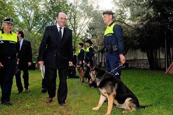 Unidad Canina de la Policía Municipal de Madrid: 25 perros y 38 agentes, que están operativos las 24 horas del día