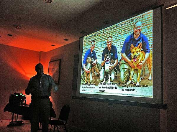 Etología, adiestramiento, corrección de conductas... Seminario de Ken Ramirez, así ha sido.