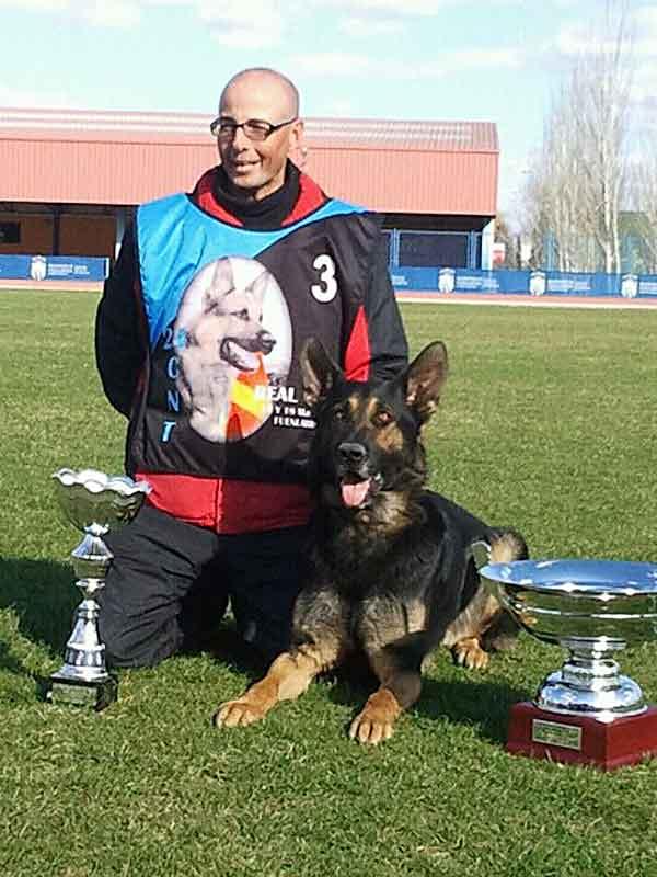"""Seminario de Obediencia deportiva en el Instituto EDUCAN. """"Haz equipo con tu perro. Trabajamos, disfrutamos, avanzamos juntos"""" (Entrevista con Juan Carlos Moreda -Krusaiker-)."""