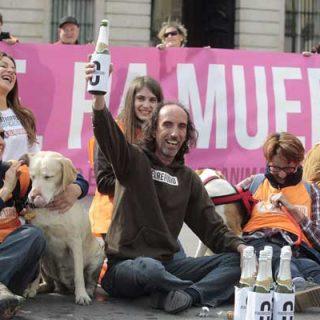 #SacrificioZero. La Asamblea de Madrid aprueba la Iniciativa Legislativa Popular presentada por El Refugio para prohibir el sacrificio de animales abandonados.