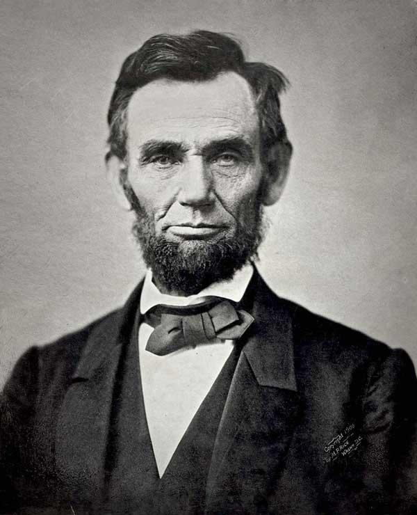 """""""Estoy a favor de los Derechos de los Animales, tanto como de los Derechos Humanos. Es la única manera de ser un humano completo"""". Abraham Lincoln."""
