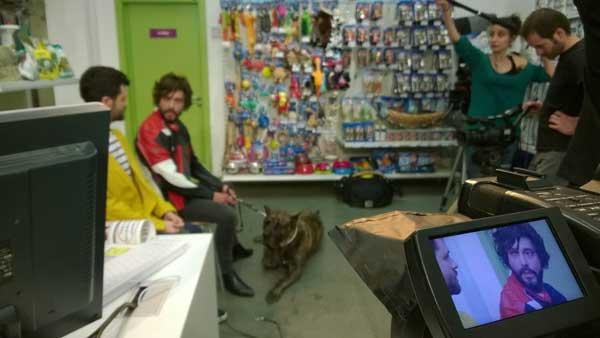 """""""Que Ladre el Siguiente"""", la primera sitcom del mundo veterinario, un éxito en Facebook en sus primeras 24 horas."""