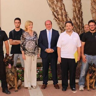 Murcia incluye un programa de perros adiestrados en su lucha contra la violencia de género