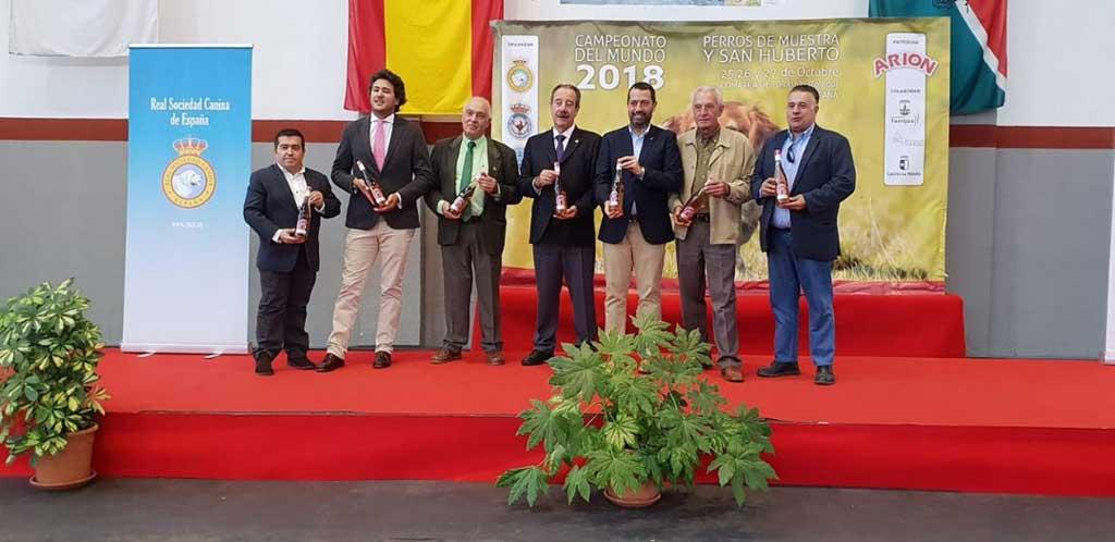 La Real Sociedad Canina Española (RSCE) y la Real Federación Española de Caza (RFEC) organizaron, desde el 24 hasta sábado 27 de Octubre, en Torrijos (Toledo), los Campeonatos del Mundo de Perros de Muestra y San Huberto