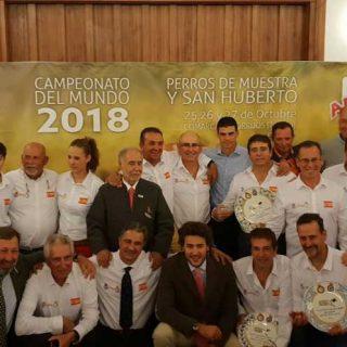 La Real Sociedad Canina Española (RSCE) y la Real Federación Española de Caza (RFEC) organizaron, desde el 24 hasta sábado 27 de Octubre, en Torrijos (Toledo), los Campeonatos del Mundo de Perros de Muestra y San Huberto.