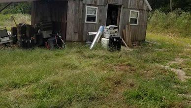 120 perros y un gato hallados muertos en la casa de unos rescatistas de animales...